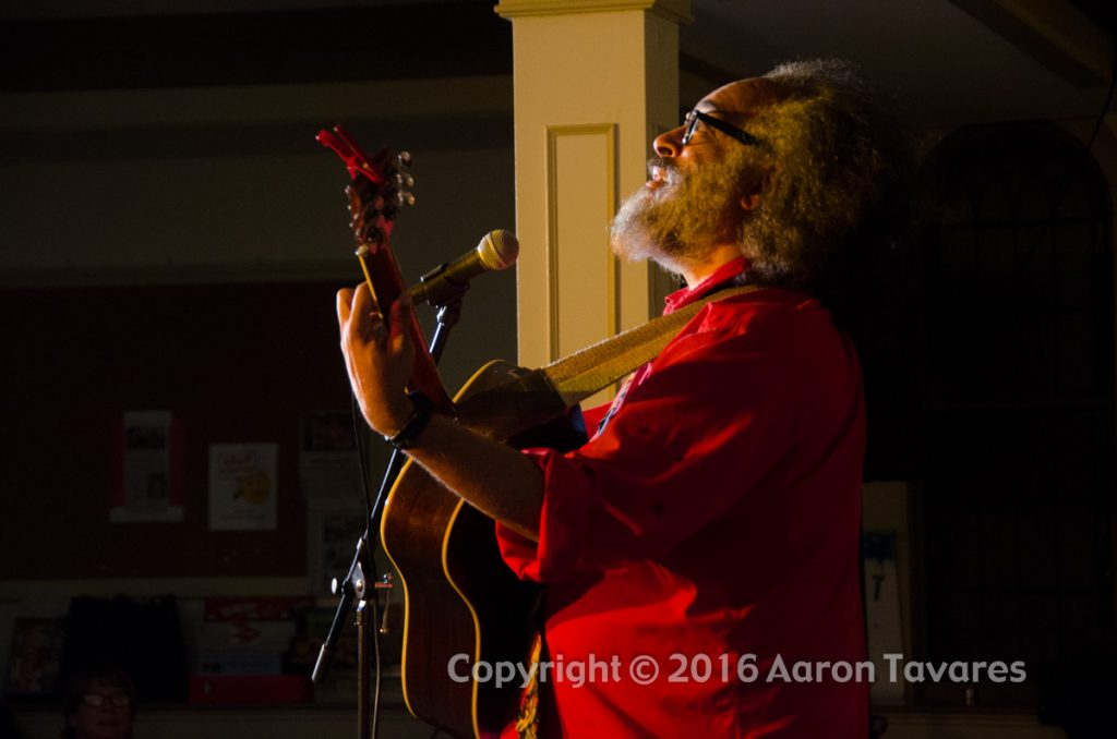 Vance Gilbert performs at the Rose Garden on March 19, 2016. Photo copyright Aaron Tavares
